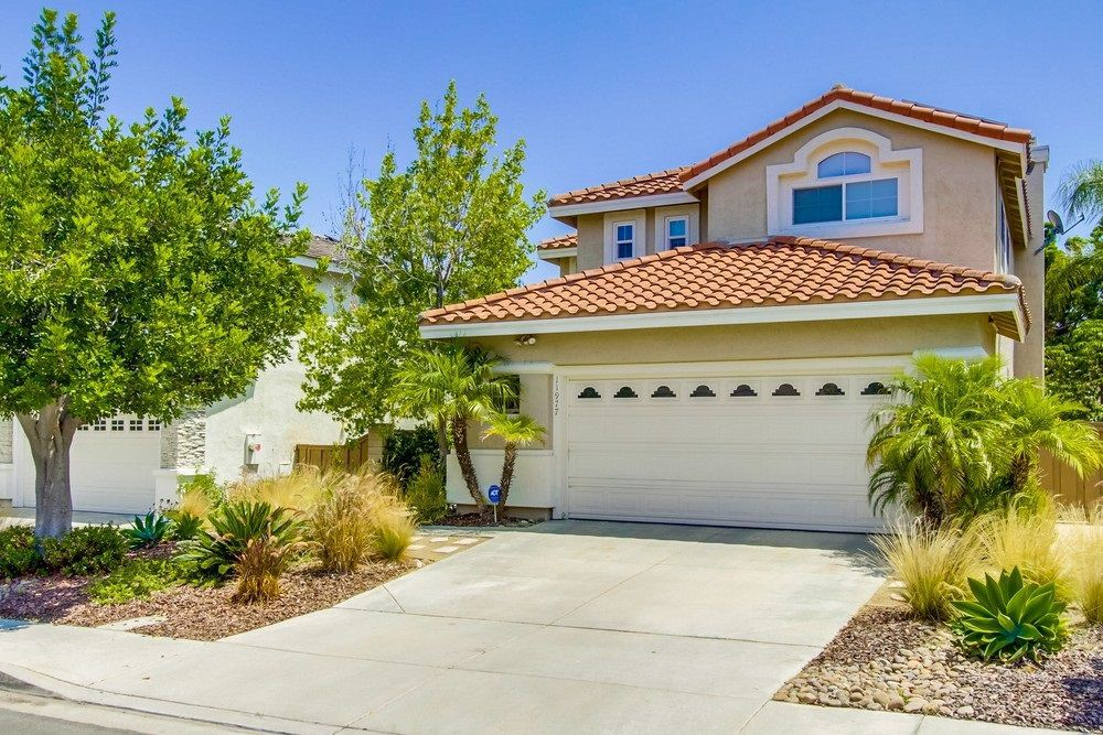 Main Photo: SABRE SPR House for sale : 4 bedrooms : 11977 Briarleaf Way in San Diego