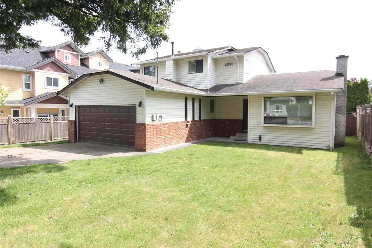 Main Photo: 11850 82 Avenue in Delta: Scottsdale House for sale (N. Delta)  : MLS®# R2379746