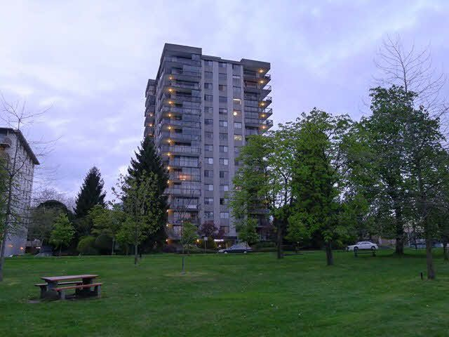 """Main Photo: 302 114 W KEITH Road in NORTH VANC: Central Lonsdale Condo for sale in """"ASHBY HOUSE"""" (North Vancouver)  : MLS®# V1130025"""