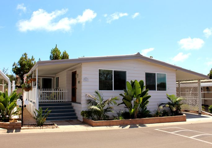 Main Photo: CARLSBAD SOUTH Manufactured Home for sale : 2 bedrooms : 7251 San Luis Street in Carlsbad