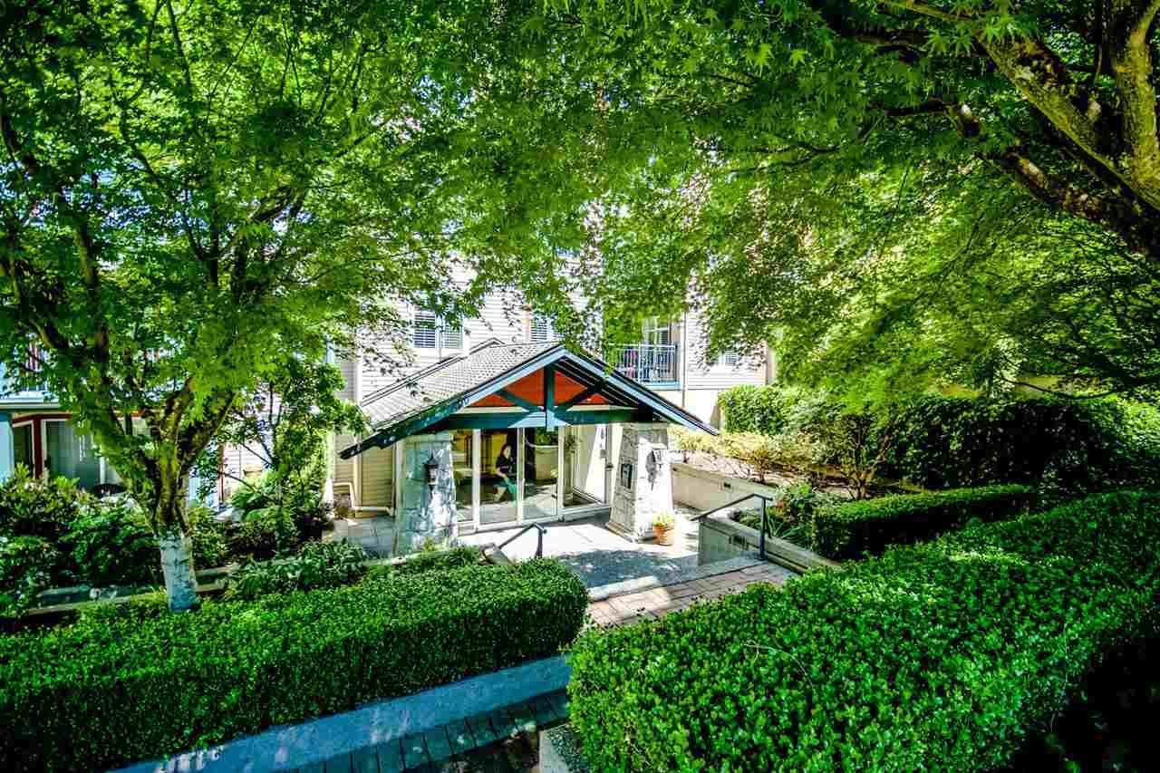 """Main Photo: 205 1144 STRATHAVEN Drive in North Vancouver: Northlands Condo for sale in """"STRATHAVEN"""" : MLS®# R2068468"""