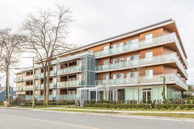 """Main Photo: 303 7377 14TH Avenue in Burnaby: Edmonds BE Condo for sale in """"VIBE"""" (Burnaby East)  : MLS®# R2135154"""