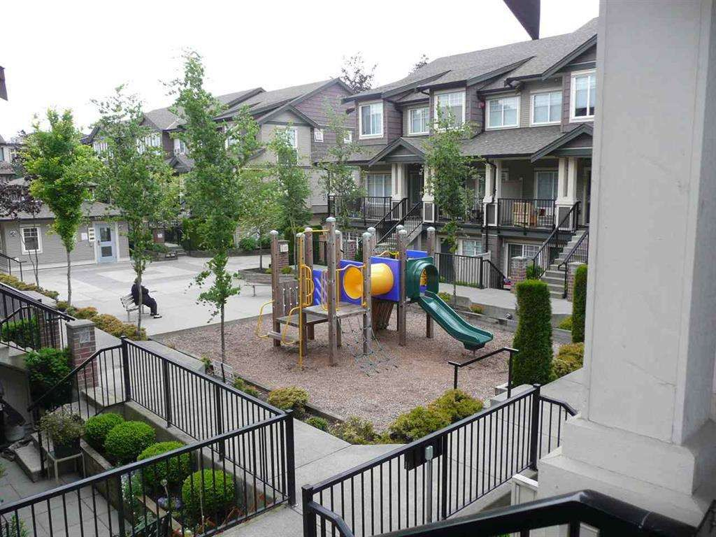 """Main Photo: 211 13958 108 Avenue in Surrey: Whalley Townhouse for sale in """"AURA 3 Townhomes"""" (North Surrey)  : MLS®# R2173198"""