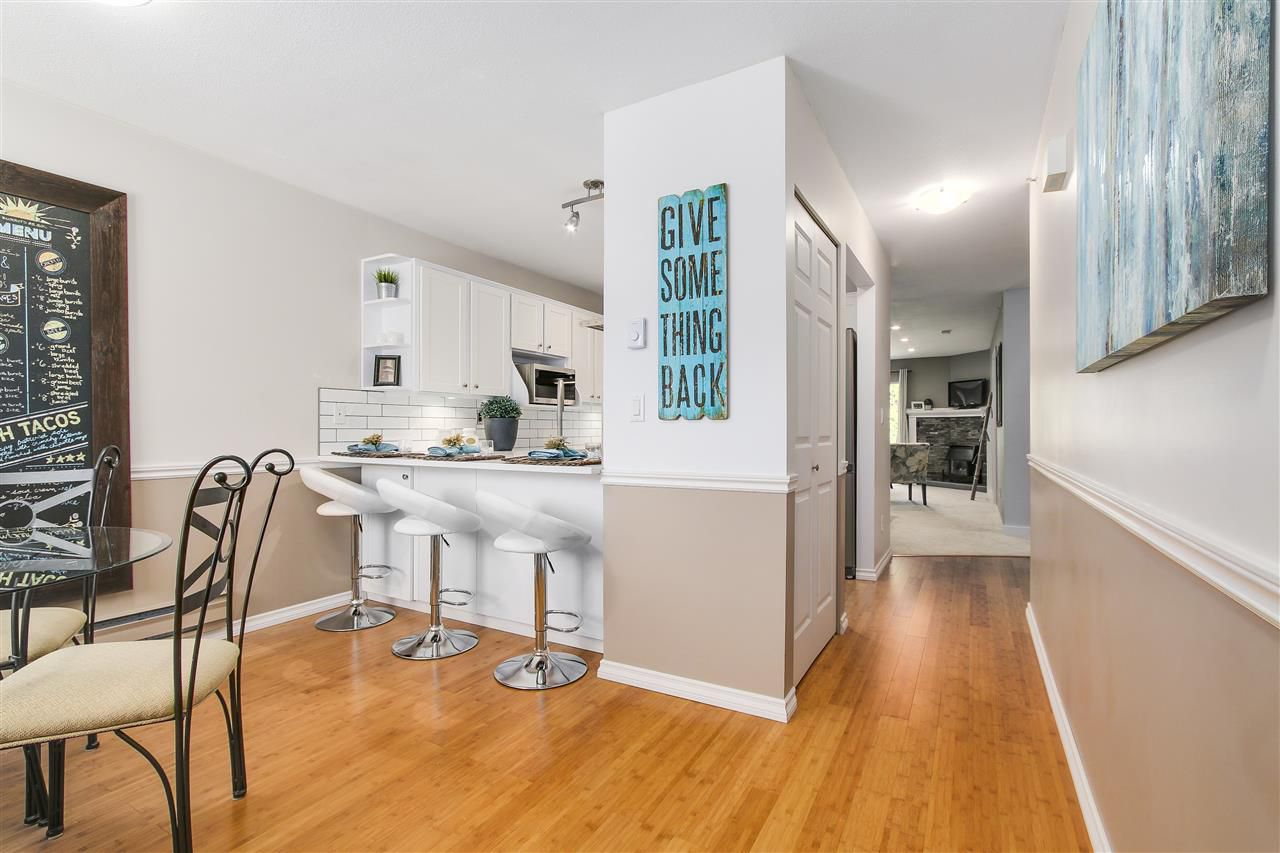 """Main Photo: 6 19270 119 Avenue in Pitt Meadows: Central Meadows Townhouse for sale in """"McMyn Estates"""" : MLS®# R2189353"""