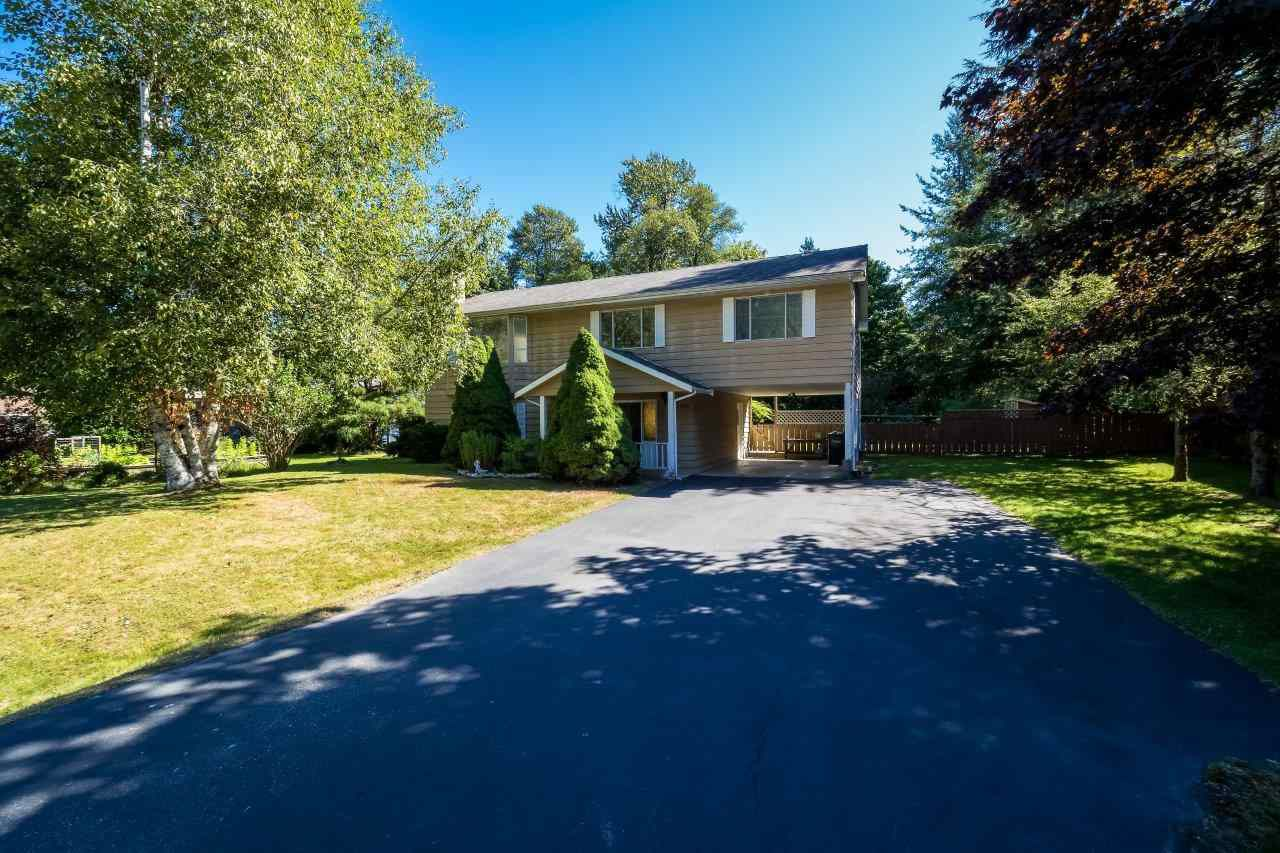 Main Photo: 41520 GRANT Road in Squamish: Brackendale House for sale : MLS®# R2198919
