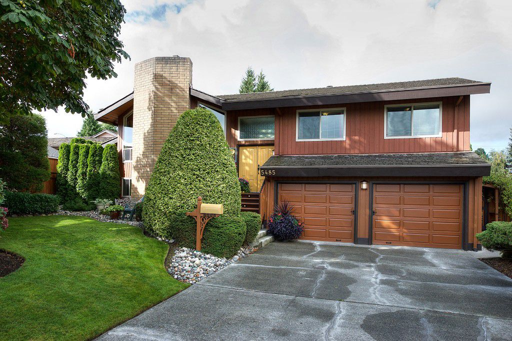 Main Photo: 5485 CANDLEWYCK Wynd in Delta: Cliff Drive House for sale (Tsawwassen)  : MLS®# R2208192