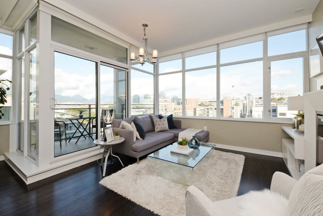 """Main Photo: 910 181 W 1ST Avenue in Vancouver: False Creek Condo for sale in """"BROOK AT THE VILLAGE"""" (Vancouver West)  : MLS®# R2214727"""