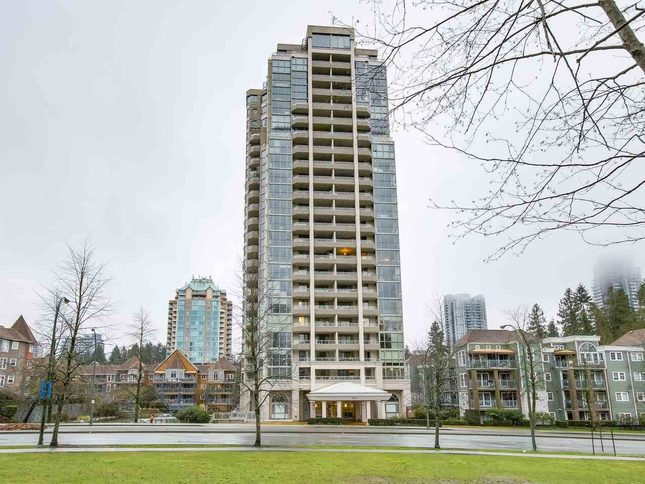 "Main Photo: 903 3070 GUILDFORD Way in Coquitlam: North Coquitlam Condo for sale in ""LAKESIDE TERRACE"" : MLS®# R2238401"
