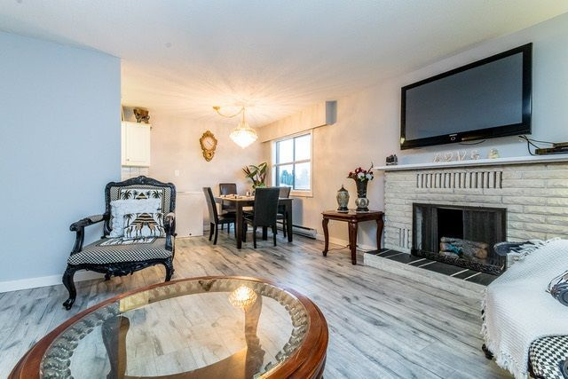 """Main Photo: 202 2211 CLEARBROOK Road in Abbotsford: Abbotsford West Condo for sale in """"Glenwood Manor"""" : MLS®# R2242962"""