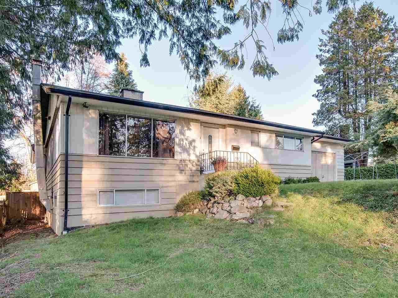 "Main Photo: 12425 PARK Drive in Surrey: Cedar Hills House for sale in ""St. Helen's Park"" (North Surrey)  : MLS®# R2245497"