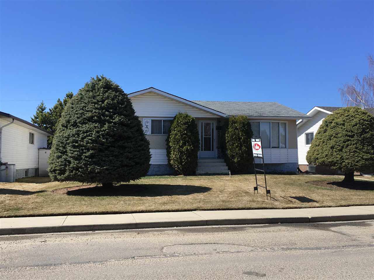 Main Photo: 10648 104 Street: Westlock House for sale : MLS®# E4127872
