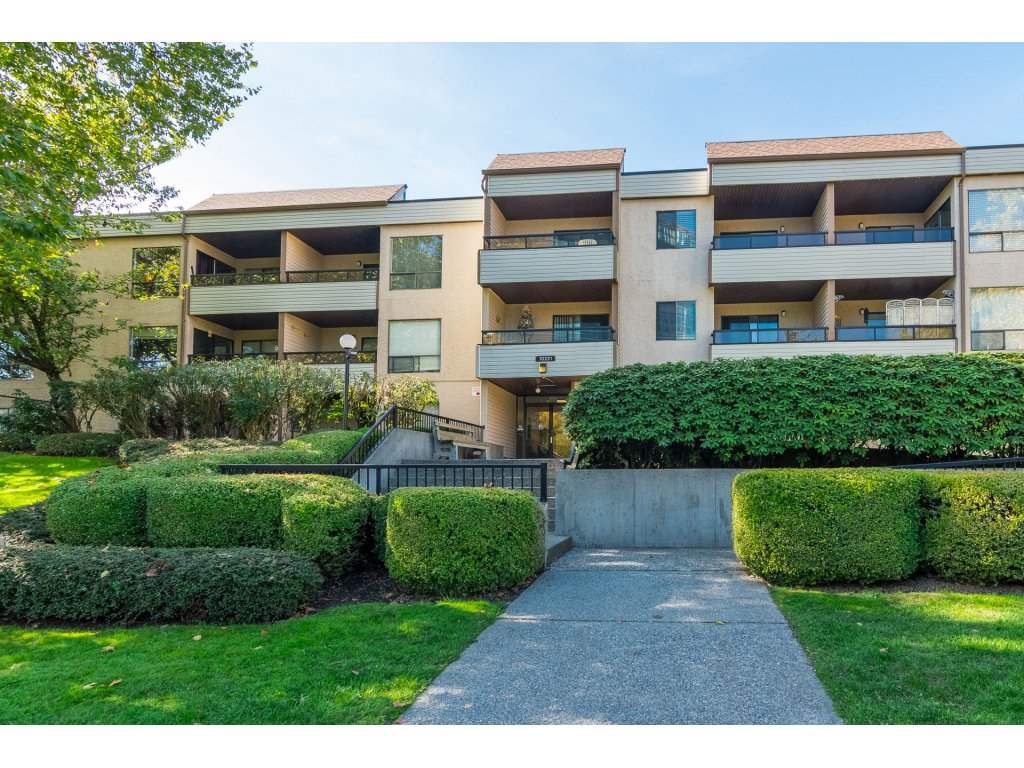 Main Photo: 211 10221 133A Street in Surrey: Whalley Condo for sale (North Surrey)  : MLS®# R2315771