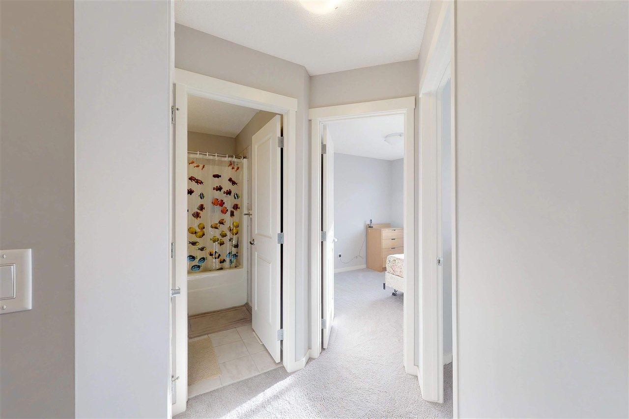 Photo 8: Photos: 5203 20 Ave in Edmonton: Zone 53 House Half Duplex for sale : MLS®# E4136572