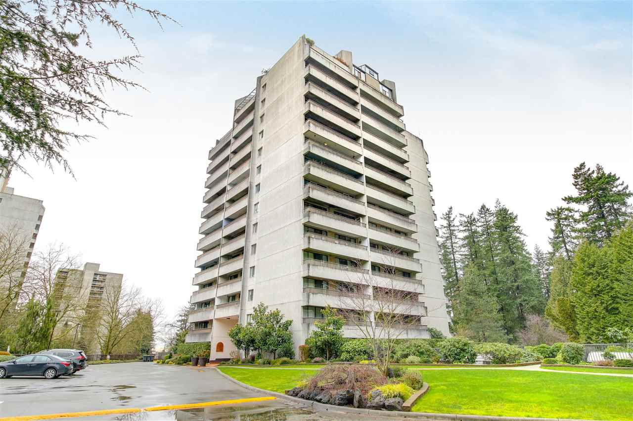 Main Photo: 205 4194 MAYWOOD Street in Burnaby: Metrotown Condo for sale (Burnaby South)  : MLS®# R2351044