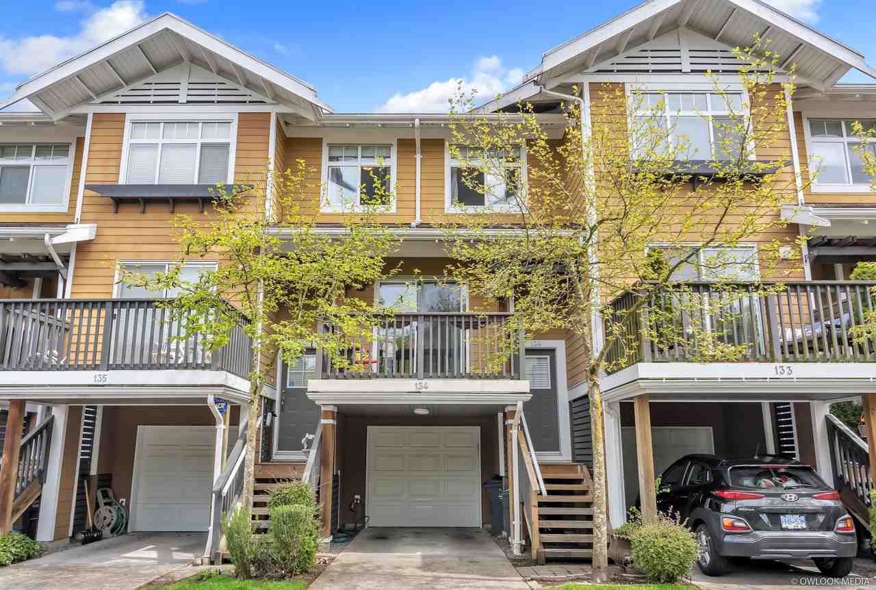 "Main Photo: 134 15236 36 Avenue in Surrey: Morgan Creek Townhouse for sale in ""SUNDANCE II"" (South Surrey White Rock)  : MLS®# R2360812"