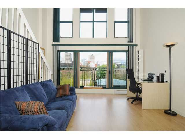 """Main Photo: 403 - 22 E Cordova Street in Vancouver: Downtown VE Condo for sale in """"Van Horne"""" (Vancouver East)"""