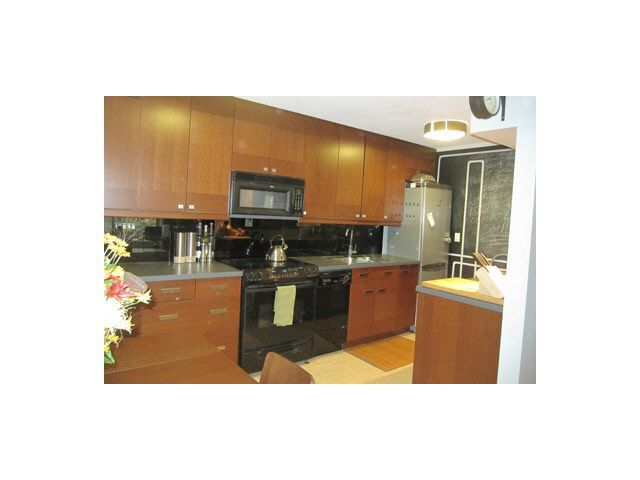 """Main Photo: 204 780 PREMIER Street in North Vancouver: Lynnmour Condo for sale in """"EDGEWATER ESTATES"""" : MLS®# V1090580"""