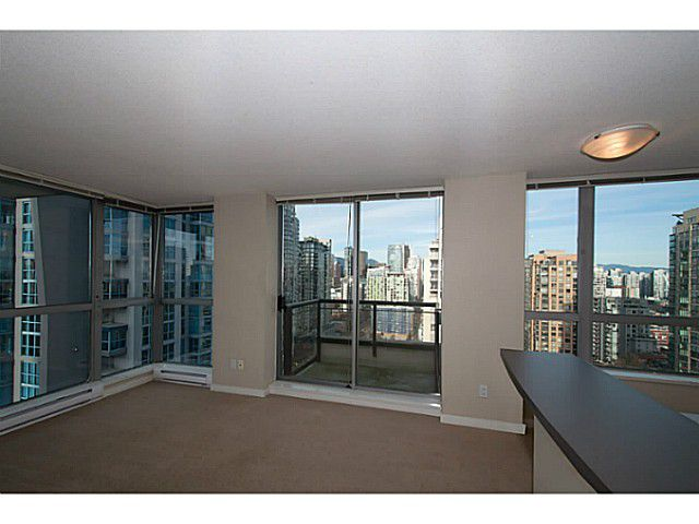 """Main Photo: 2201 1295 RICHARDS Street in Vancouver: Downtown VW Condo for sale in """"The Oscar"""" (Vancouver West)  : MLS®# V1108690"""