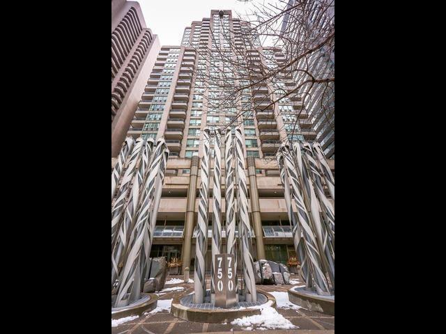 Main Photo: 1701 750 Bay Street in Toronto: Bay Street Corridor Condo for sale (Toronto C01)  : MLS®# C3458736