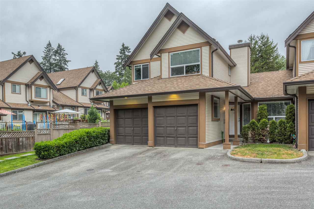 "Main Photo: 17 23151 HANEY Bypass in Maple Ridge: East Central Townhouse for sale in ""STONEHOUSE ESTATES"" : MLS®# R2072291"