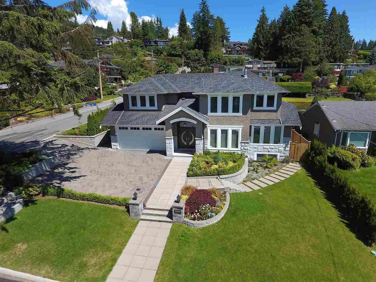 Main Photo: 3796 NORWOOD Avenue in North Vancouver: Upper Lonsdale House for sale : MLS®# R2083548