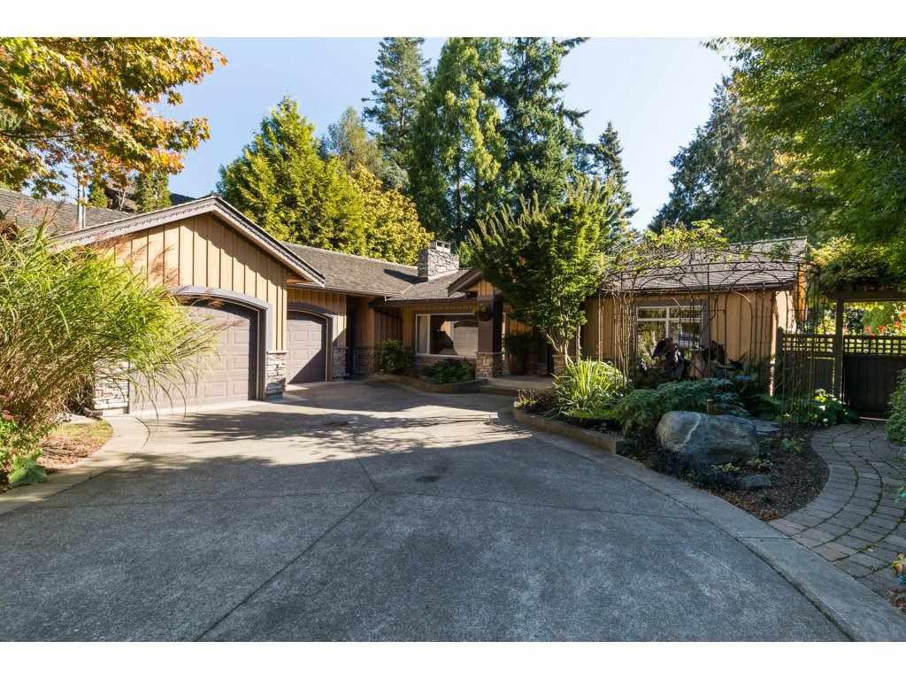 "Main Photo: 13058 15 Avenue in Surrey: Crescent Bch Ocean Pk. House for sale in ""OCEAN PARK"" (South Surrey White Rock)  : MLS®# R2112236"
