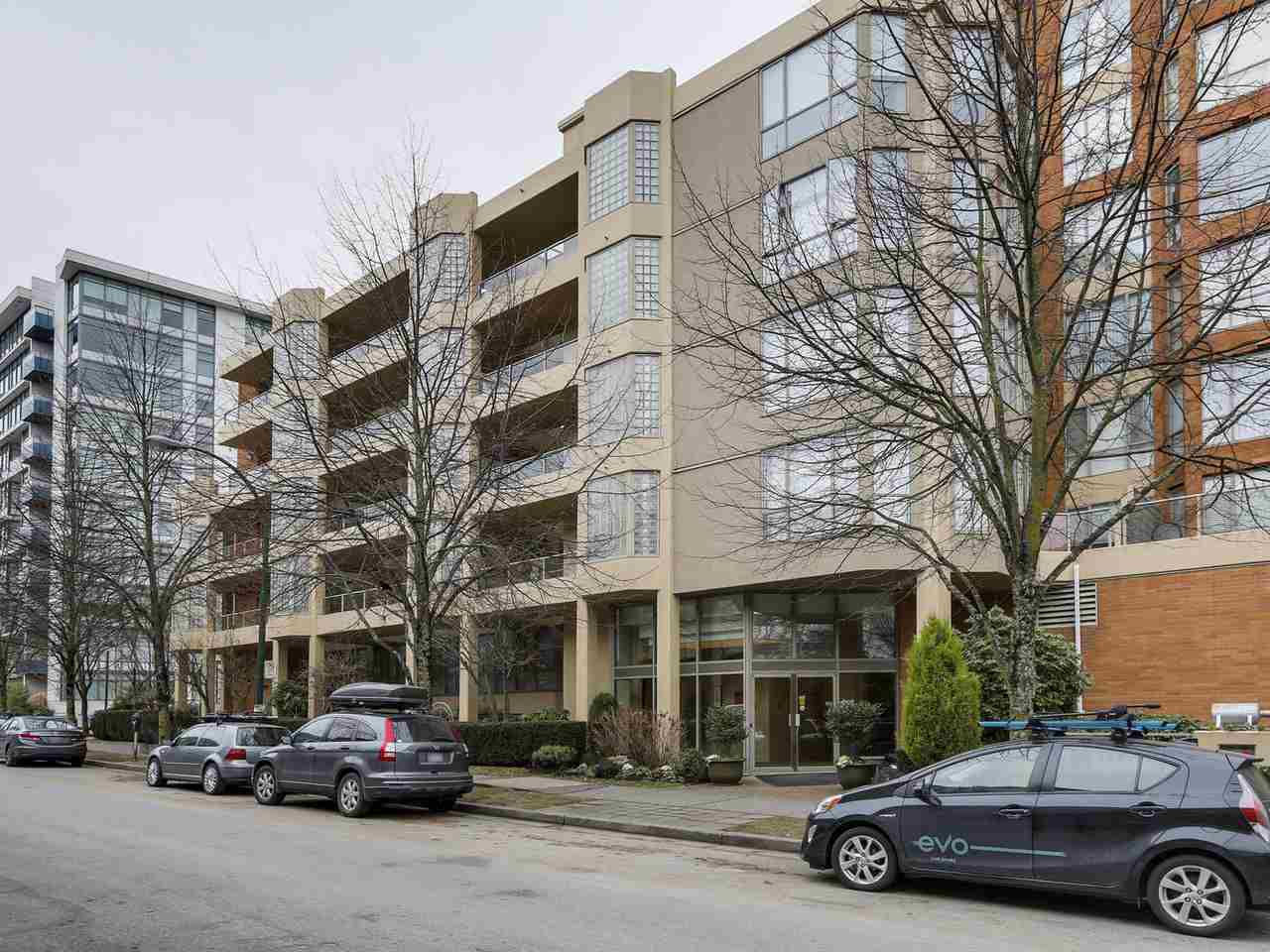 """Main Photo: 415 1707 W 7TH Avenue in Vancouver: Fairview VW Condo for sale in """"Santa Fe - Meridian Cove"""" (Vancouver West)  : MLS®# R2131301"""