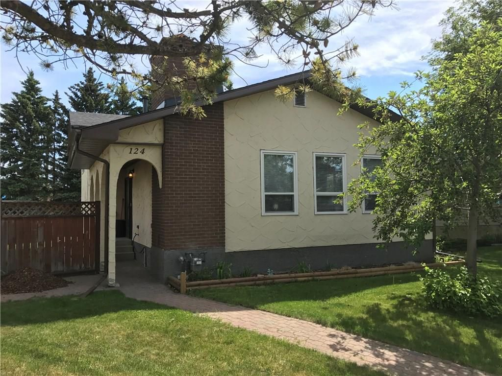 Main Photo: 124 DOVERTHORN Bay SE in Calgary: Dover House for sale : MLS®# C4120719