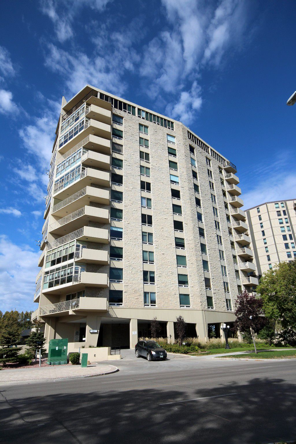 Main Photo: 2D - 221 Wellington Crescent in Winnipeg: Osborne Village Apartment for sale (1B)  : MLS®# 1704947
