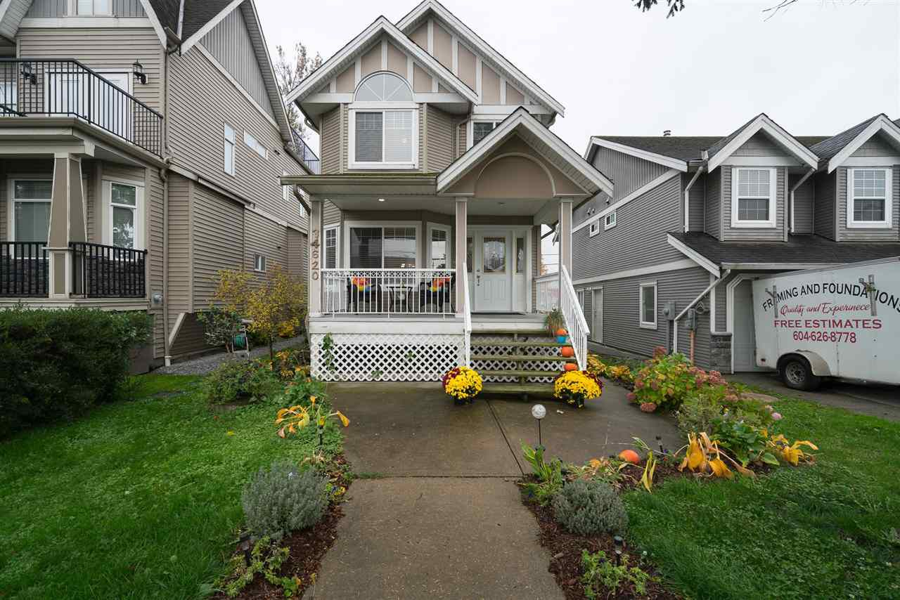 Main Photo: 34620 3RD Avenue in Abbotsford: Poplar House for sale : MLS®# R2217419