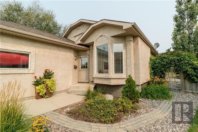 Main Photo: 99 Meadowbank Road in Winnipeg: Whyte Ridge Residential for sale (1P)  : MLS®# 1822457