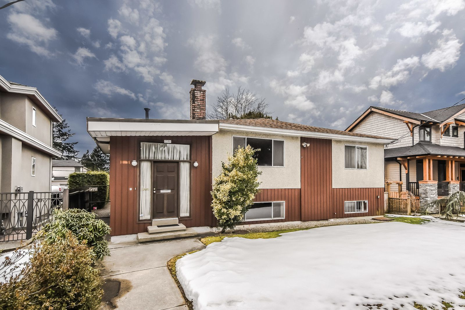 Main Photo: 5340 SPRUCE Street in Burnaby: Deer Lake Place House for sale (Burnaby South)  : MLS®# R2349190