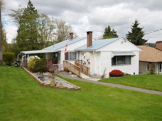 """Main Photo: 337 HOLMES Street in New Westminster: The Heights NW House for sale in """"THE HEIGHTS"""" : MLS®# V884702"""