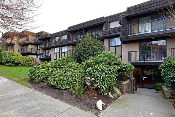 Main Photo: 304 2222 Cambridge Street in Vancouver: Hastings Condo for sale (Vancouver East)  : MLS®# V934695