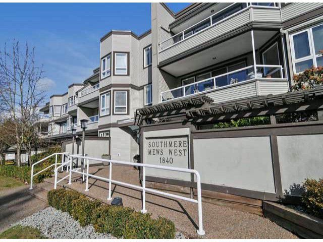 """Main Photo: 312 1840 E SOUTHMERE Crescent in Surrey: Sunnyside Park Surrey Condo for sale in """"SOUTHMERE MEWS WEST"""" (South Surrey White Rock)  : MLS®# F1404062"""