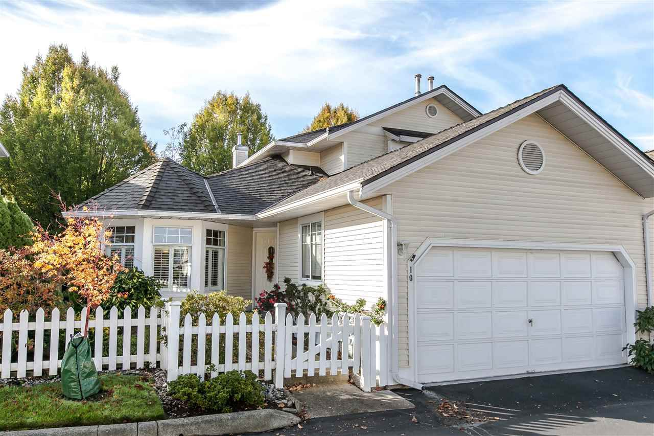"""Main Photo: 10 21138 88 Avenue in Langley: Walnut Grove Townhouse for sale in """"Spencer Green"""" : MLS®# R2008817"""