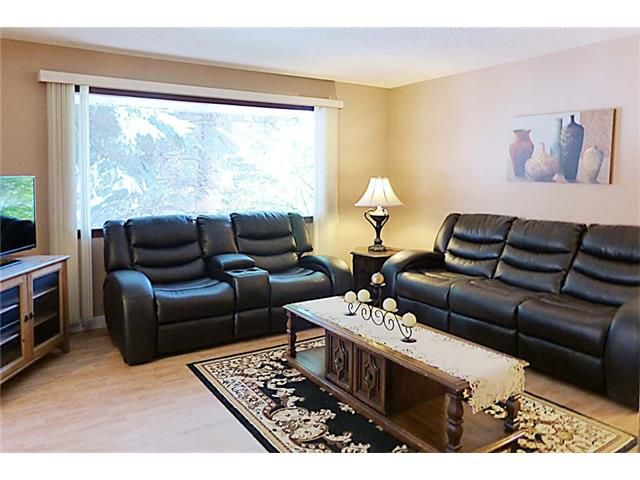 Photo 9: Photos: 11209 11 Street SW in Calgary: Southwood House for sale : MLS®# C4062440