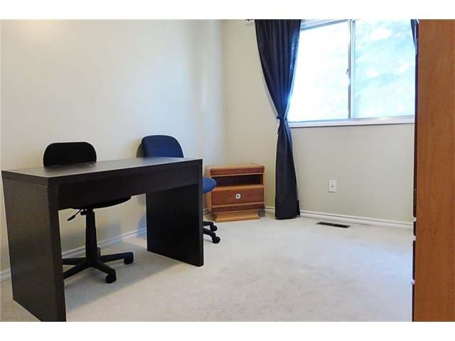 Photo 17: Photos: 11209 11 Street SW in Calgary: Southwood House for sale : MLS®# C4062440