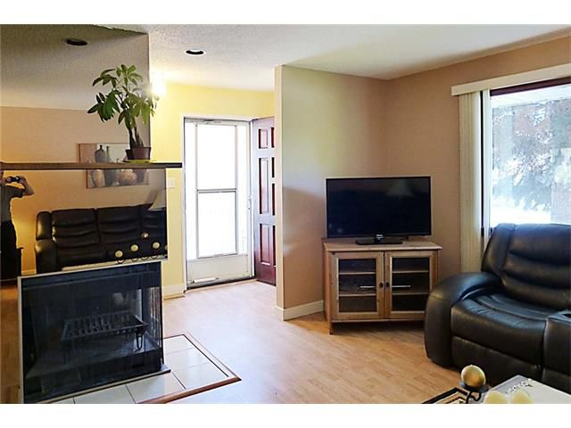 Photo 11: Photos: 11209 11 Street SW in Calgary: Southwood House for sale : MLS®# C4062440