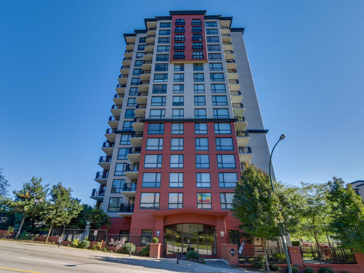 """Main Photo: 704 814 ROYAL Avenue in New Westminster: Downtown NW Condo for sale in """"NEWS NORTH"""" : MLS®# R2123506"""