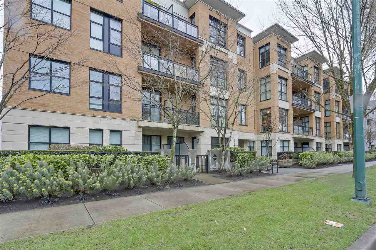 "Main Photo: 213 2065 W 12TH Avenue in Vancouver: Kitsilano Condo for sale in ""The Sydney"" (Vancouver West)  : MLS®# R2244722"