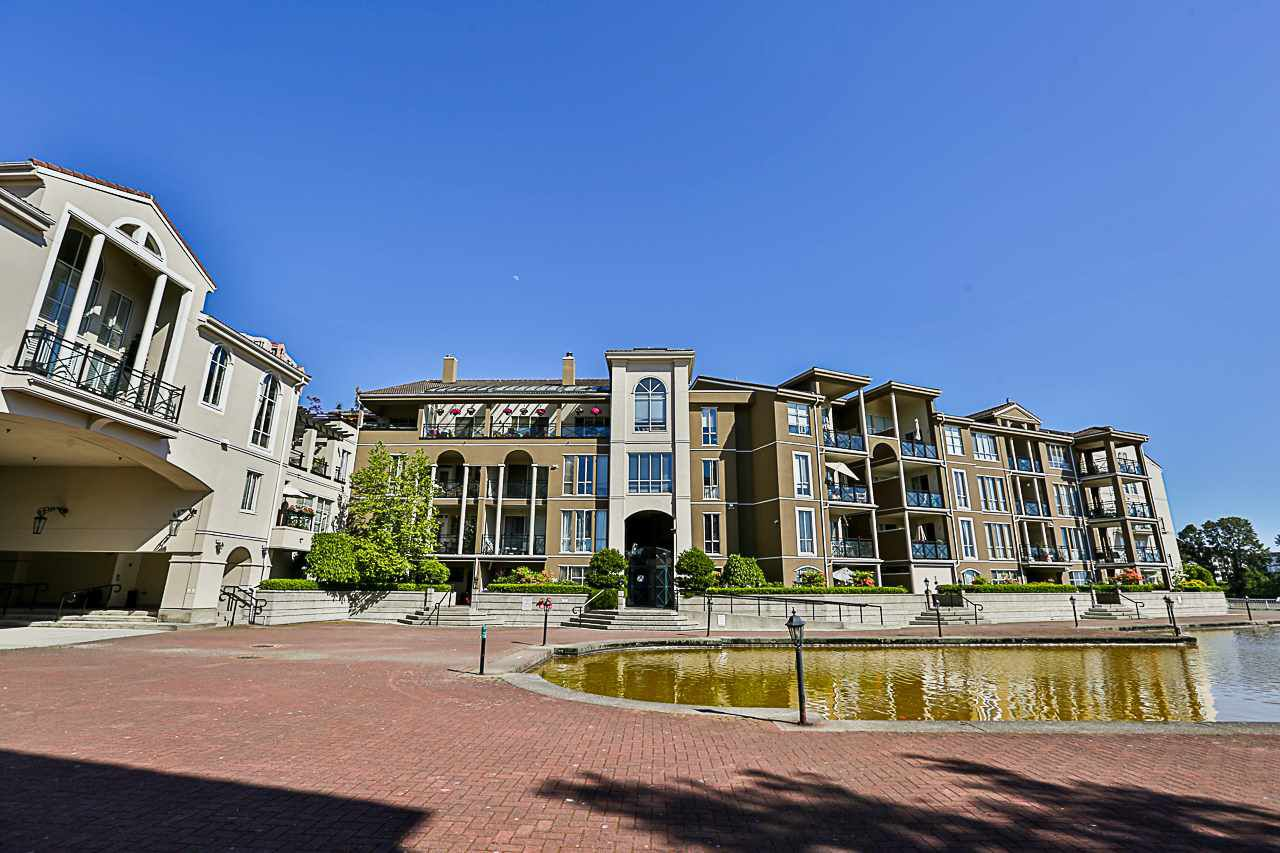 """Main Photo: 309 2 RENAISSANCE Square in New Westminster: Quay Condo for sale in """"THE LIDO"""" : MLS®# R2271910"""
