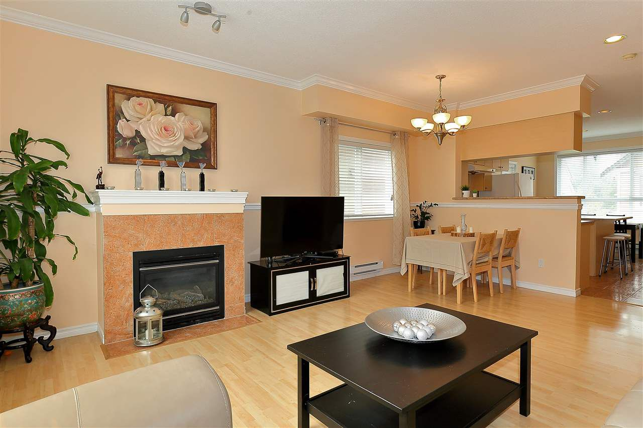 Main Photo: 29 8080 BENNETT Road in Richmond: Brighouse South Townhouse for sale : MLS®# R2312165