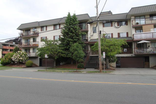 "Main Photo: 211 45749 SPADINA Avenue in Chilliwack: Chilliwack W Young-Well Condo for sale in ""Chilliwack Gardens"" : MLS®# R2318177"