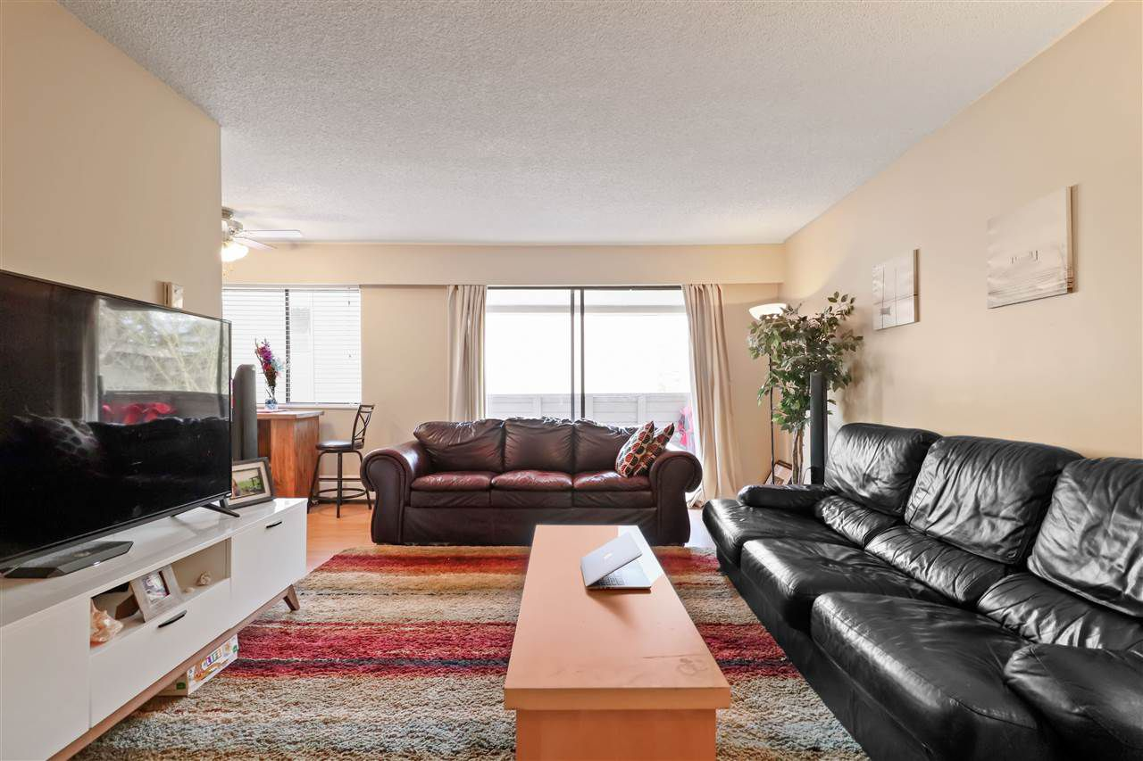 """Main Photo: 33 2437 KELLY Avenue in Port Coquitlam: Central Pt Coquitlam Condo for sale in """"Orchard Valley"""" : MLS®# R2340449"""