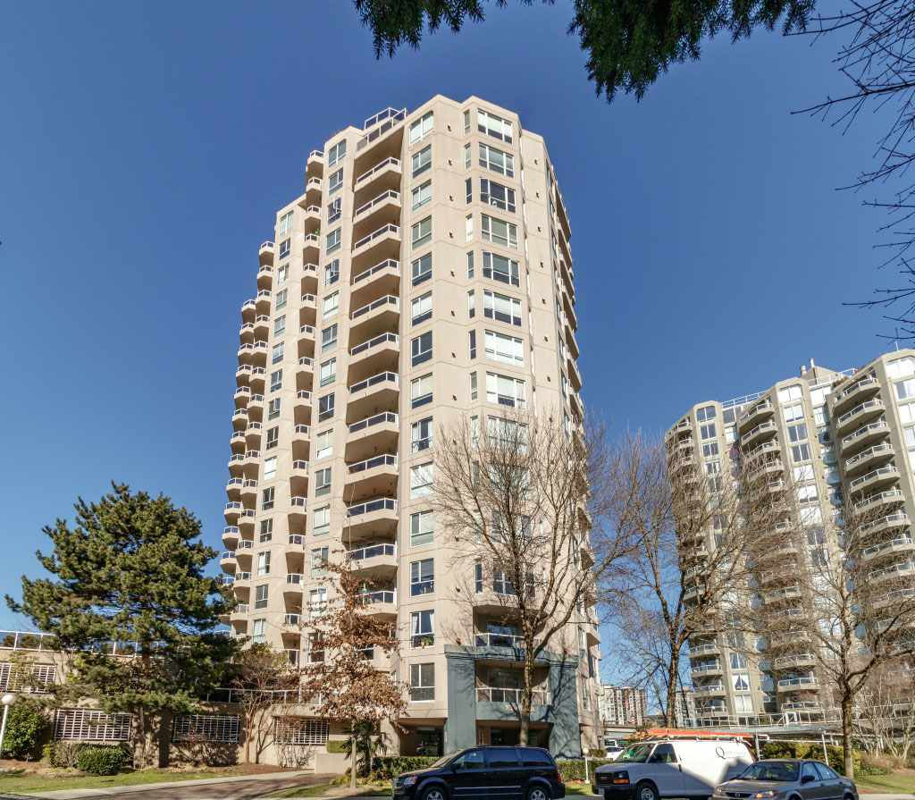 "Main Photo: 703 1185 QUAYSIDE Drive in New Westminster: Quay Condo for sale in ""RIVIERA"" : MLS®# R2345179"