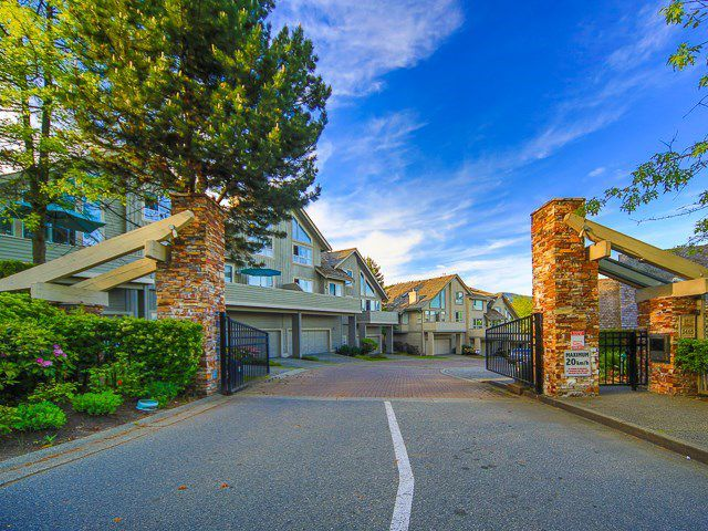 """Main Photo: 214 1465 PARKWAY Boulevard in Coquitlam: Westwood Plateau Townhouse for sale in """"SILVER OAK"""" : MLS®# R2365652"""