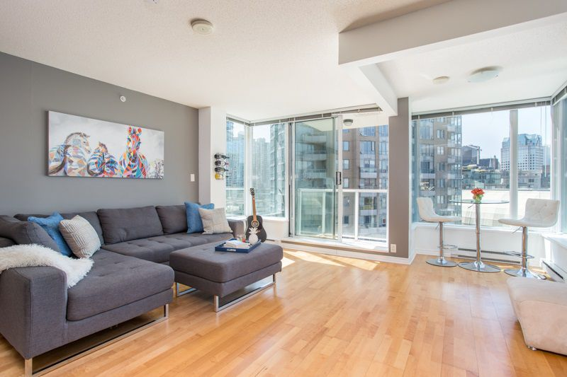"""Main Photo: 1103 550 TAYLOR Street in Vancouver: Downtown VW Condo for sale in """"The Taylor"""" (Vancouver West)  : MLS®# R2369050"""