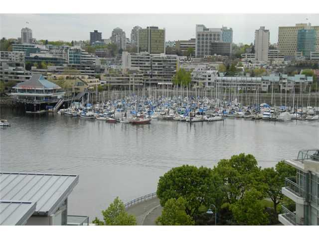 Main Photo: # 903 1228 MARINASIDE CR in Vancouver: Yaletown Condo for sale ()  : MLS®# V825377