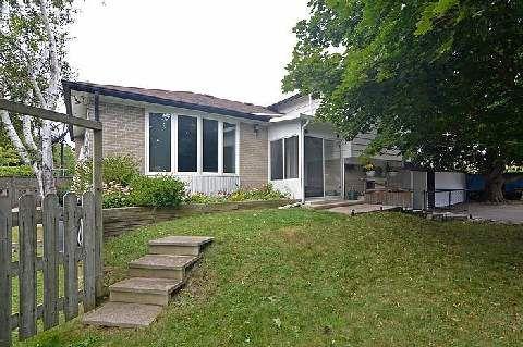 Main Photo: 831 Modlin Road in Pickering: Bay Ridges House (Backsplit 4) for sale : MLS®# E3015345